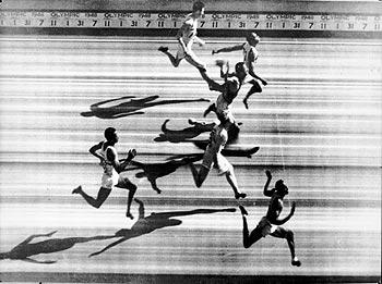 This is a BBC image of the 1948 Photo Finish of the 100m finals.