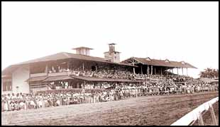 This is Juan Franco Racetrack back in 1953 during a special 50th Anniversary Commemoration Race (50 years of independence from Colombia)
