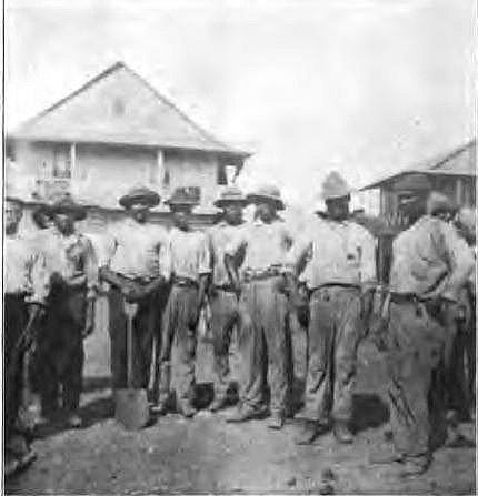1908 a work gang of West Indian laborers on the Panama Canal.